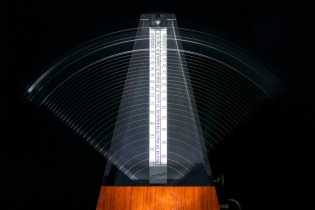 metronomes-812679_1920